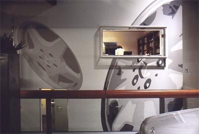 monumentale muurschildering in het MAC (Mercedes showroom)